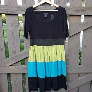 Signature by Robbie Bee Dress Size 10